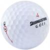 Nærmynd af Bridgestone golfkúlu.