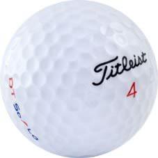 Nærmynd af Titleist 4 golfbolta.