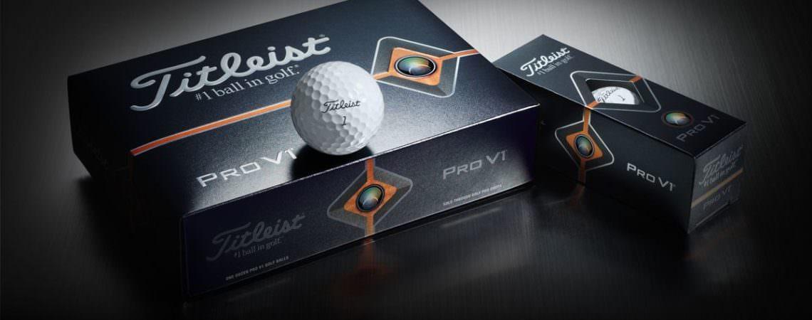 Titleist Pro V1 golfkúla ofan á Pro V1 kassanum